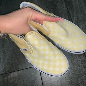 Size 2.5 yellow vans